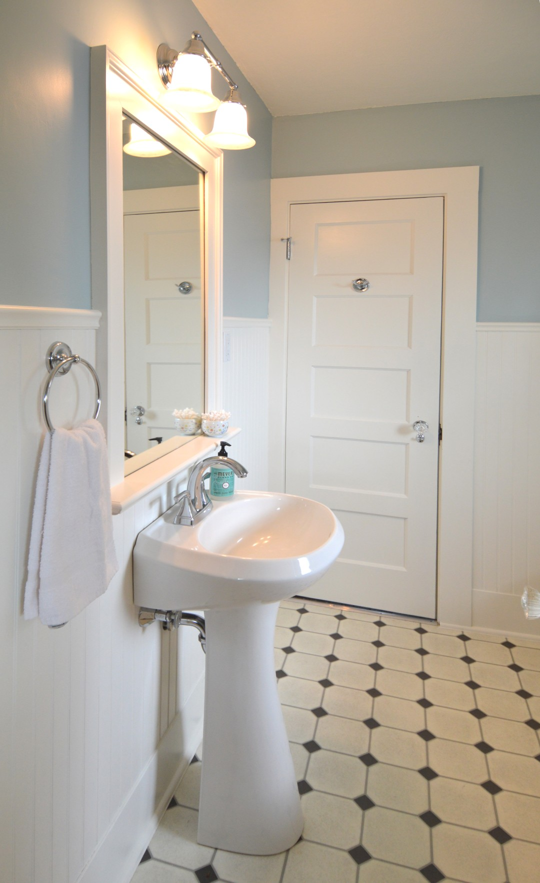 Even The Most Basic Projects Simple And Modest Can Have A Strong Sense Of Luxury Should Always Be Practical This Bathroom For Family Four Will
